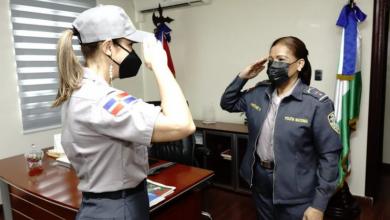 Photo of Mariasela Álvarez se viste de «Policía por un Día»