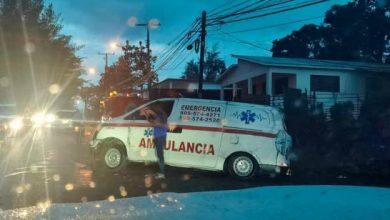 Photo of Muere chofer al volcarse ambulancia en medio de emergencia en Jarabacoa