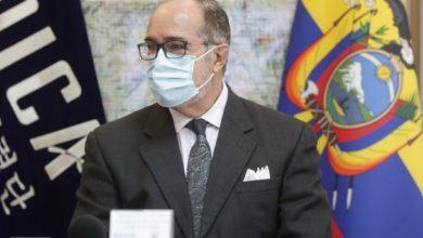 Photo of Renuncia tercer ministro de Salud de Ecuador tras 19 días en el cargo