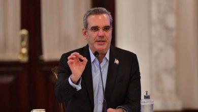 Photo of Luis Abinader sobre reelección: «Aquí lo que hay que hacer es trabajar y resolver los problemas de la gente»