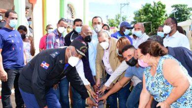 Photo of Alcalde Carlos Guzmán deja iniciadas construcción de 27 obras en Santo Domingo Norte