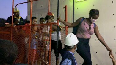 Photo of Rescatan personas varadas en teleférico de Puerto Plata