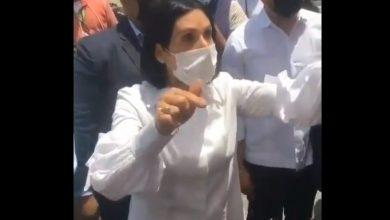 Photo of Primera dama exhorta a los jóvenes a vacunarse si quieren «teteo»