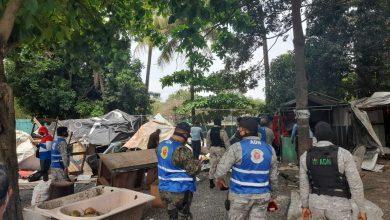 Photo of Desalojo en mercado Los Jardines provoca enfrentamientos entre policías y vendedores