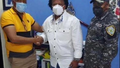Photo of Aquiles Correa se disculpa con agentes de la PN por «su comportamiento fuera de lugar»