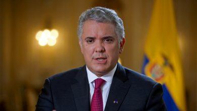 Photo of Duque ordena desplegar a la fuerza pública para desbloquear las vías en Colombia