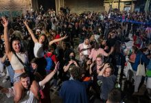 Photo of Españoles se lanzan a las calles tras el fin del estado de alarma por el covid