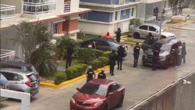 Photo of Autoridades desmantelan red que robaba fondos «Quédate en Casa»
