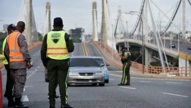 Photo of Gobierno flexibiliza toque de queda los fines de semana en 25 provincias