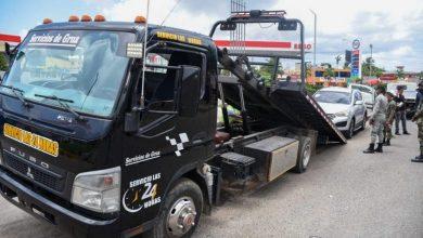 Photo of Ayuntamiento SDE retira vehículos de dealers ocupaban vía pública