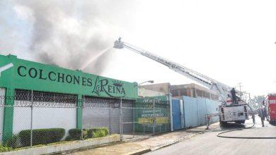 Photo of Fuego en colchonería La Reina está controlado en un 90 por ciento