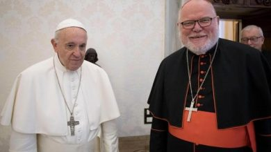 Photo of Papa Francisco rechaza dimisión de cardenal alemán Marx por escándalo de abuso sexual