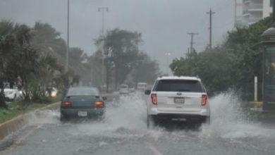 Photo of Vaguada y onda tropical continuarán provocando aguaceros este lunes