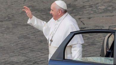 Photo of El papa homenajea a su chofer en el día de su jubilación