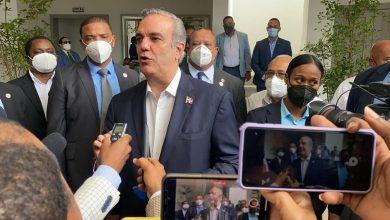 Photo of Luis Abinader presentará este miércoles un plan de desescalada del toque de queda