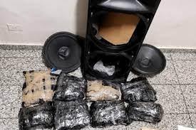 Photo of Ocupan 8 paquetes de presunta marihuana dentro de cajón de música en el AILA