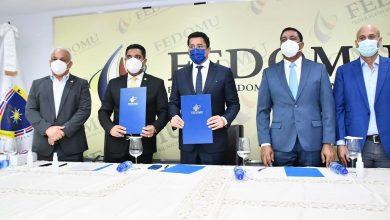 Photo of FEDOMU y MITUR promoverán desarrollo turístico en municipios del país