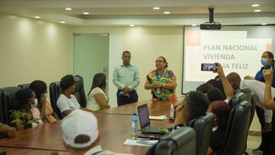 Photo of Alcaldía de SDN y Supérate impulsan afiliación de empleados para el plan de viviendas
