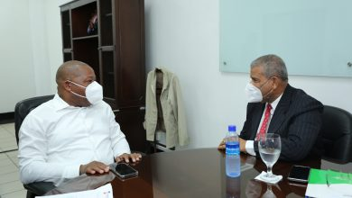 Photo of Ministro del MAP visita al director de INPOSDOM por casos de empleados desvinculados